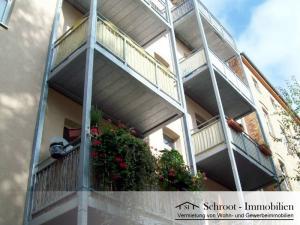 Innenansicht mit Balkon - Wohnungen in der Bernhardystraße 48, südliche Innenstadt von Halle (Saale)