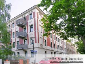 Eckhaus - Hausansicht - Wohnungen in der Bernhardystraße 51, südliche Innenstadt von Halle (Saale) Blick aus der Südstraße