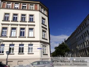 Hausansicht - Wohnungen in der Parkstraße 1, Eckhaus Charlottenstraße, Innenstadt von Halle (Saale) im Charlottenviertel zentrumsnah