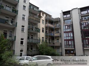 Innenhof mit Parkplätzen - Parkstraße 1, wohnen in der Innenstadt von Halle (Saale) im Charlottenviertel zentrumsnah